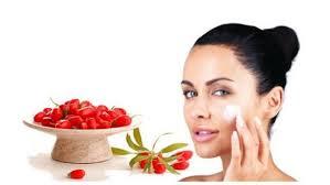 come prendersi cura della pelle del viso?