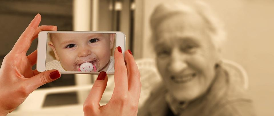Quali sono le cause dell'invecchiamento delle cellule della pelle?