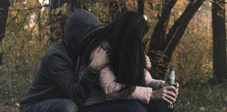 Scatenare la depressione e L'abuso di sostanze