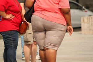 Il danno all'essere sovrappeso non smette di contare