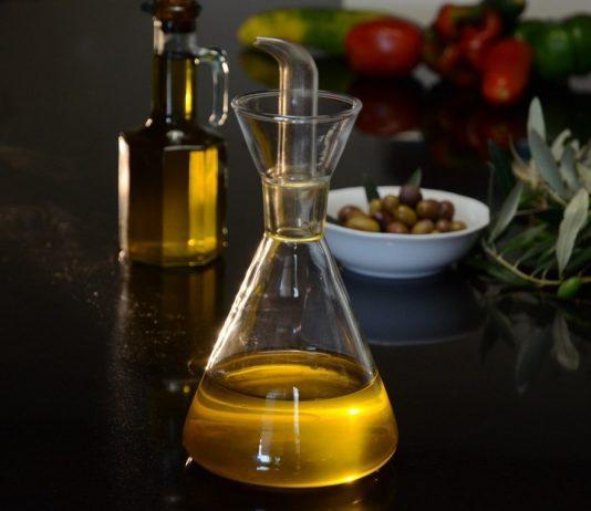 Uso di olio di garofano, effetti, studi | dove?