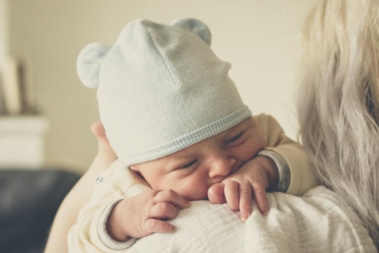 Svezzare il suo bambino dal petto